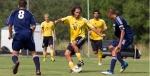 Jugando el deporte que le APASIONA...el FUTBOL!